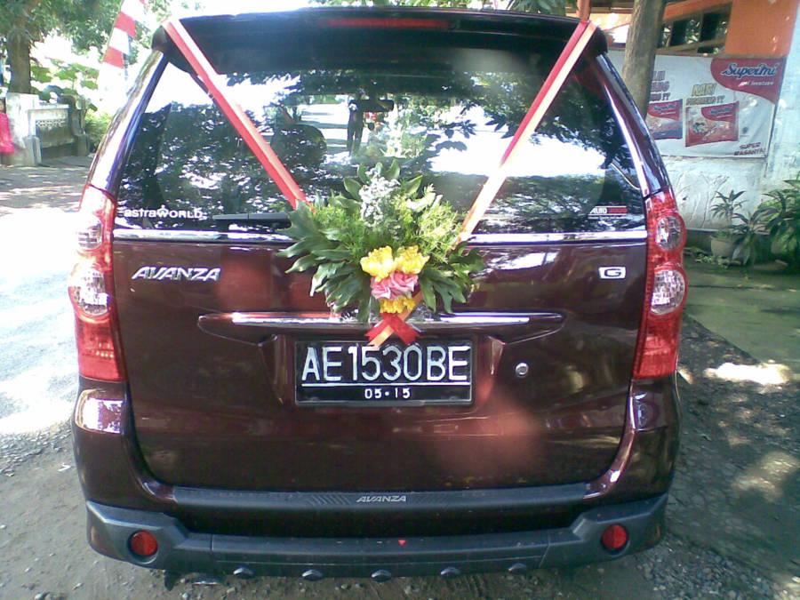 Toko Bunga Sragen - Sukowati Florist - Bunga Hias Mobil