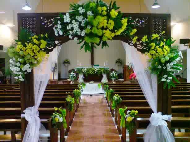 Dekorasi Gereja Sragen - Sukowati Florist